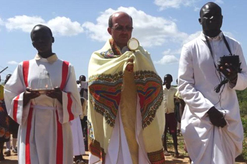 Pater Hubert Grabmann während eines Gottesdienstes