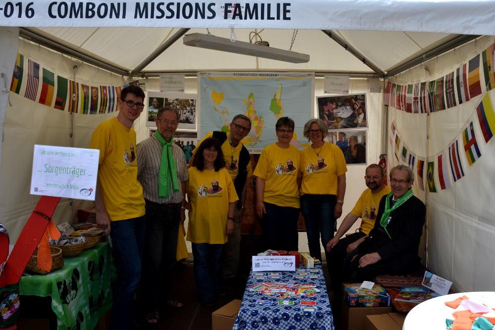 Das Team am Comboni-Stand auf dem Katholikentag