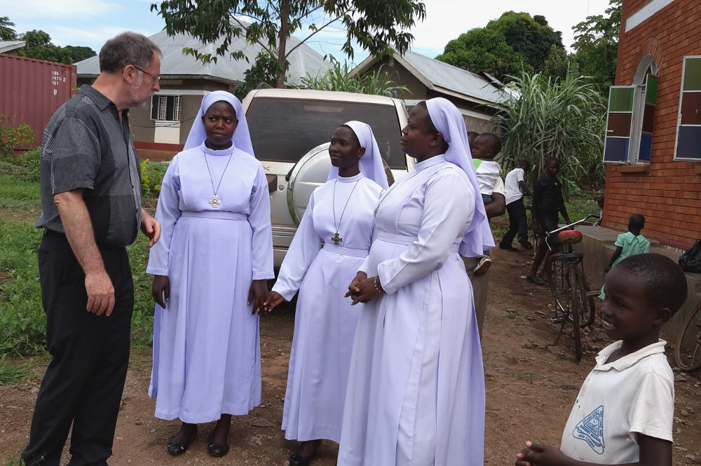 Pater Karl Peinhopf im Gespräch, Uganda