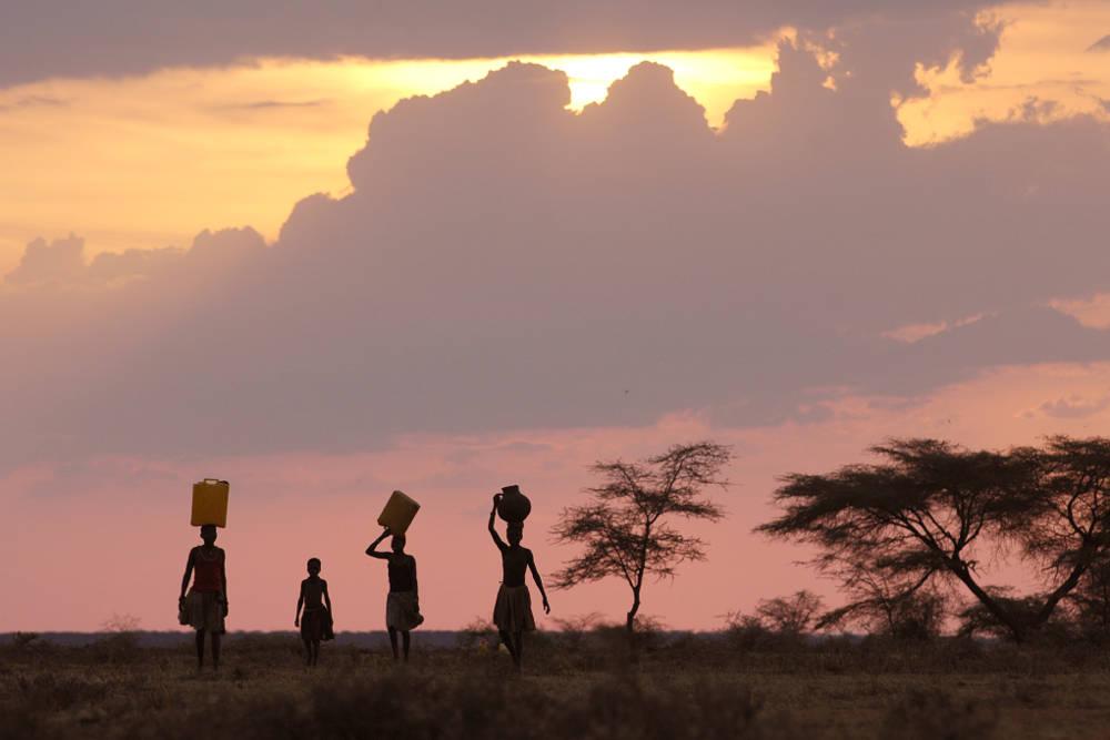 Sonnenuntergang in Karamoja, Uganda